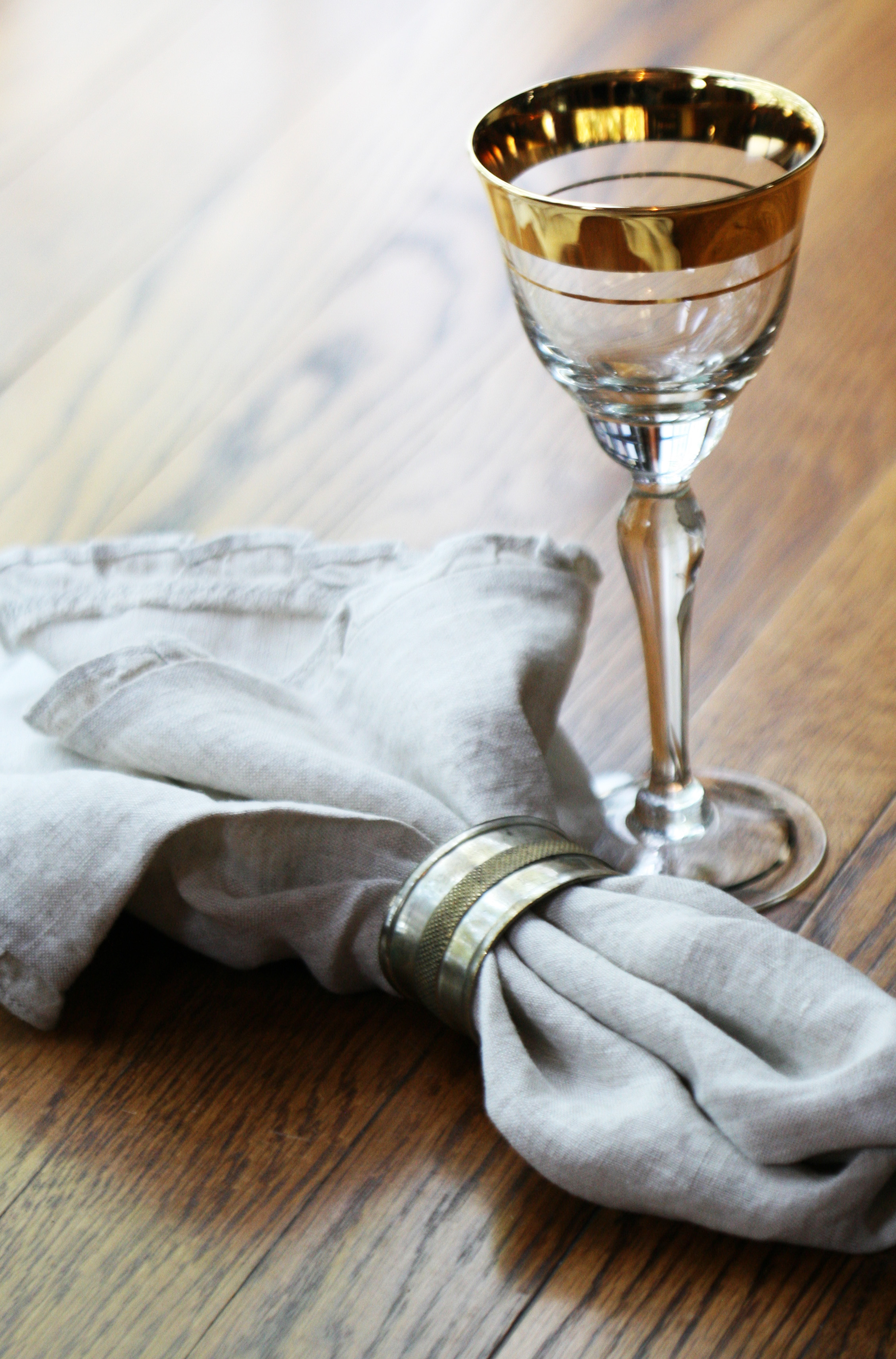 napkin & wineglass