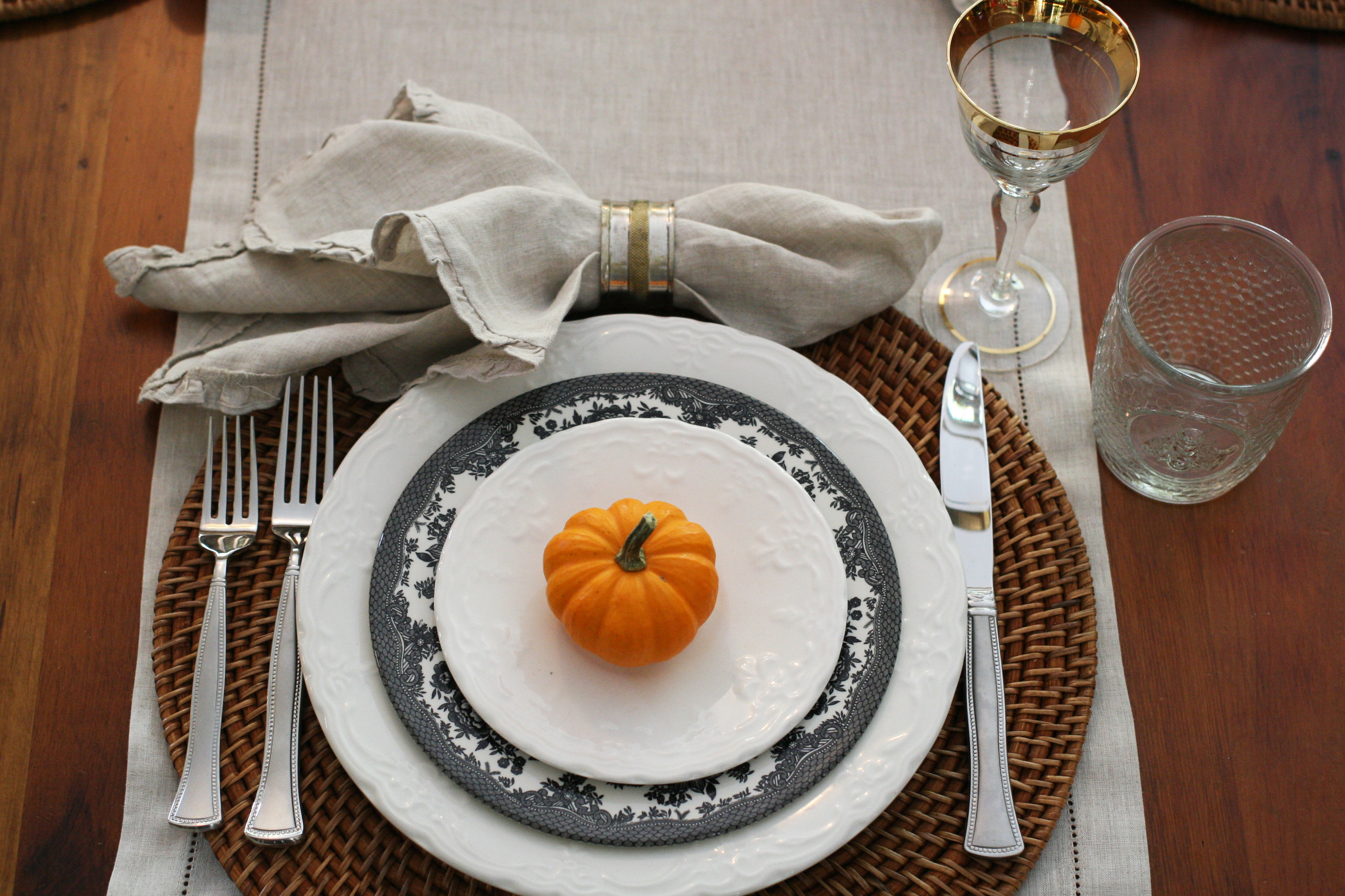 place setting-pumpkin