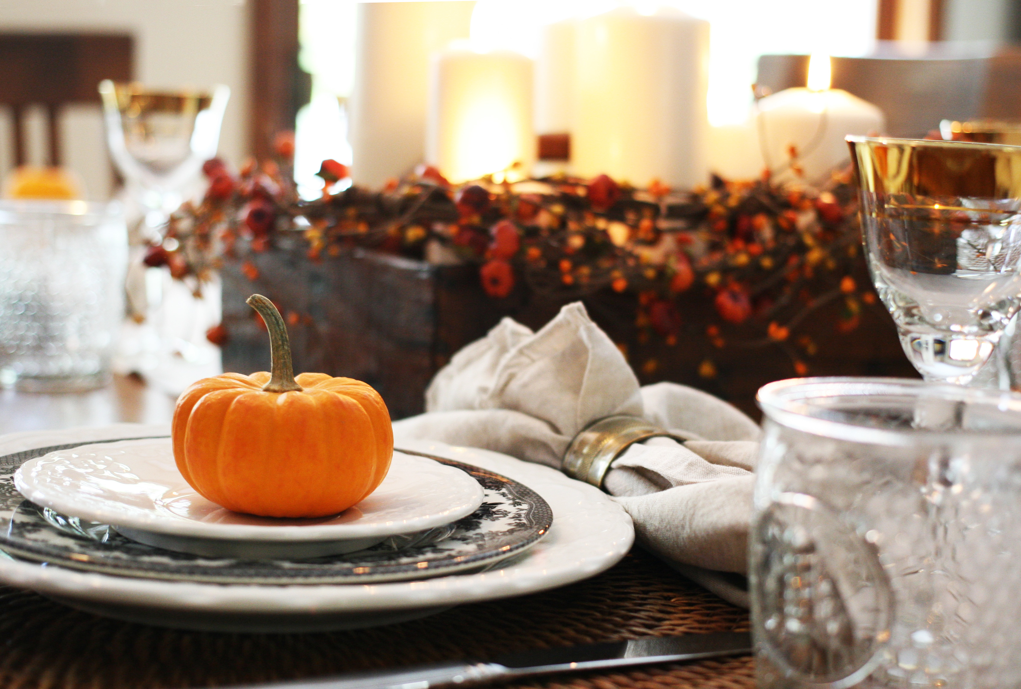 tablescape-place setting-pumpkin