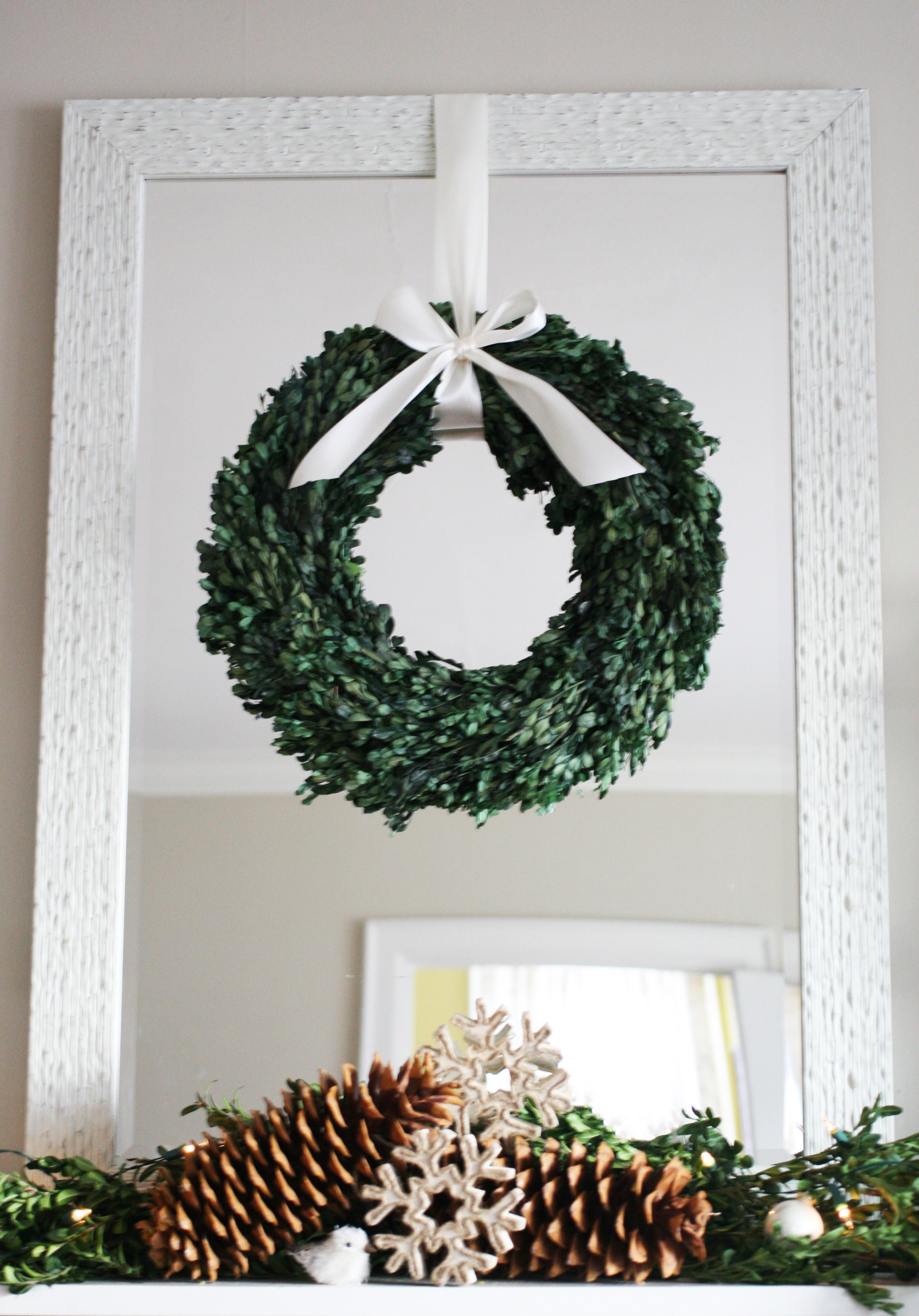 wreath & pinecones-1