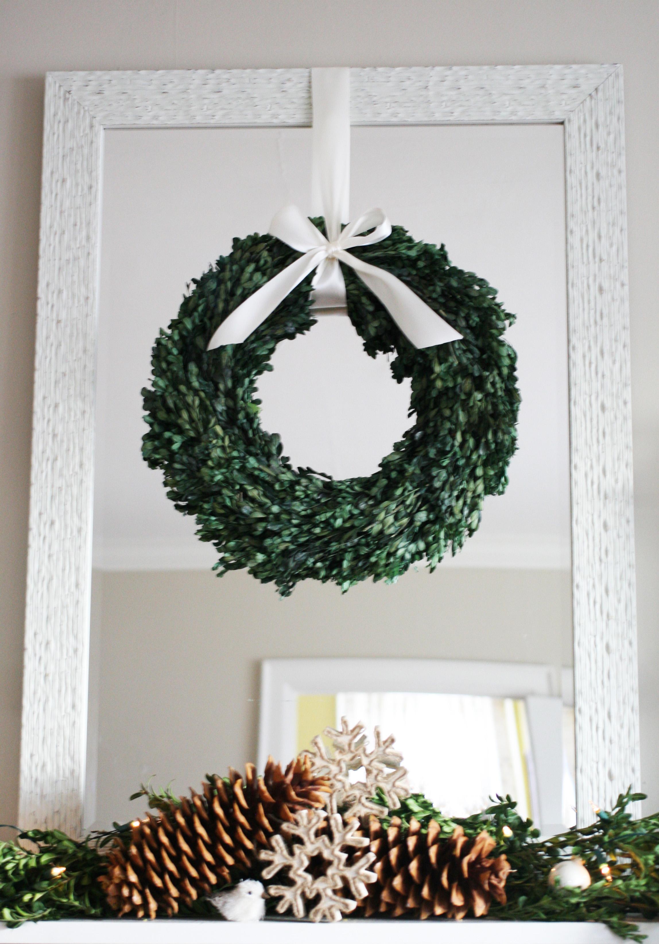 wreath & pinecones-1